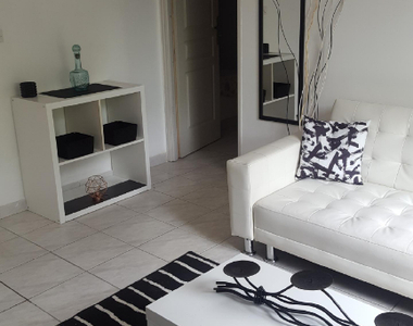 Location Appartement 3 pièces 54m² Montferrat (83131) - photo