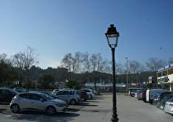 Location Fonds de commerce 68m² Trans-en-Provence (83720) - photo