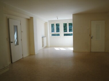 Location Appartement 3 pièces 87m² Nemours (77140) - photo