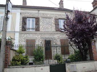 Location Maison 7 pièces 96m² Nemours (77140) - Photo 1