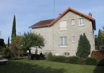 Vente Maison 8 pièces 145m² Saint-Pierre-lès-Nemours (77140) - photo