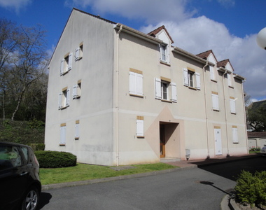 Location Appartement 3 pièces 70m² Saint-Pierre-lès-Nemours (77140) - photo