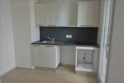 Location Appartement 3 pièces 61m² Marseille 10 (13010) - Photo 4
