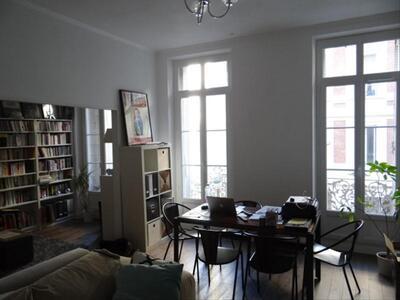 Location Appartement 2 pièces 75m² Marseille 02 (13002) - Photo 2