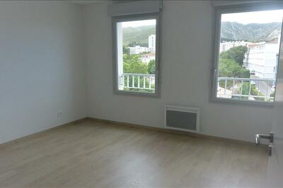 Location Appartement 3 pièces 61m² Marseille 10 (13010) - Photo 3