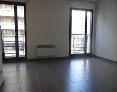 Location Appartement 1 pièce 31m² Marseille 02 (13002) - photo