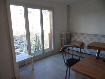 Location Appartement 1 pièce 18m² Marseille 01 (13001) - Photo 3