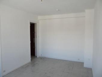 Location Appartement 1 pièce 25m² Marseille 05 (13005) - photo