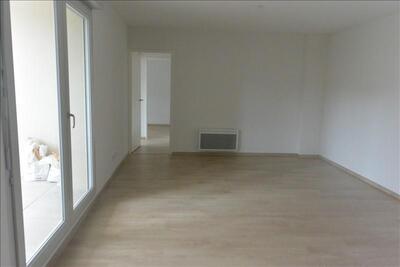 Location Appartement 3 pièces 61m² Marseille 10 (13010) - Photo 2
