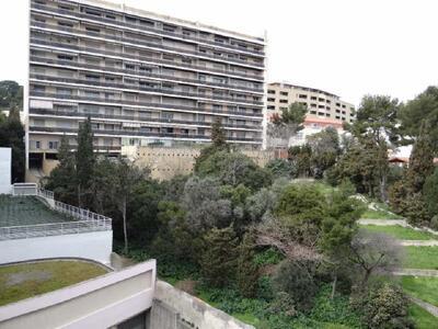 Location Appartement 2 pièces 53m² Marseille 06 (13006) - Photo 7