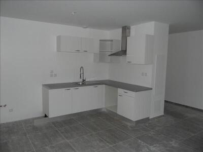 Location Maison 4 pièces 85m² Ventabren (13122) - Photo 2