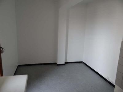 Location Appartement 2 pièces 53m² Marseille 06 (13006) - Photo 5