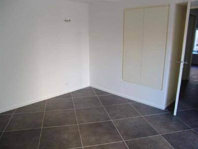 Location Appartement 3 pièces 80m² Marseille 09 (13009) - Photo 4