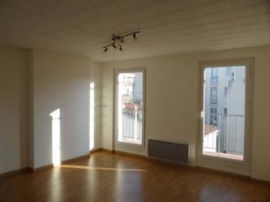Location Appartement 4 pièces 74m² Marseille 06 (13006) - photo