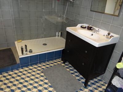 Location Appartement 2 pièces 75m² Marseille 02 (13002) - Photo 4