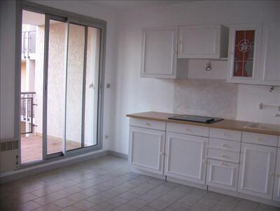 Location Appartement 1 pièce 30m² Sausset-les-Pins (13960) - Photo 1