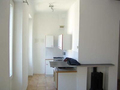 Location Appartement 1 pièce 32m² Marseille 06 (13006) - Photo 5