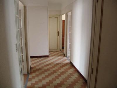 Location Appartement 4 pièces 72m² Marseille 05 (13005) - photo
