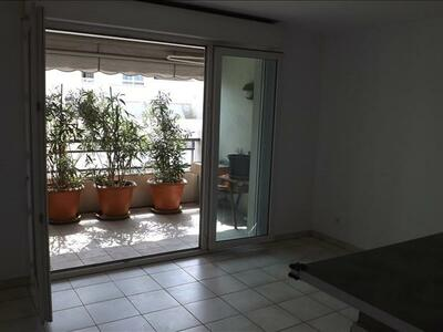 Location Appartement 2 pièces 42m² Marseille 10 (13010) - Photo 2