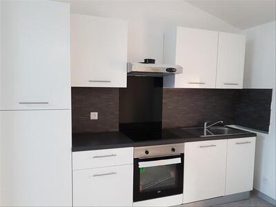 Location Appartement 3 pièces 50m² Marseille 16 (13016) - Photo 2
