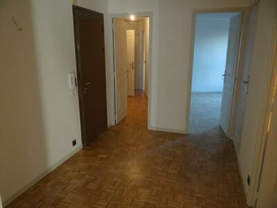 Location Appartement 3 pièces 73m² Marseille 06 (13006) - Photo 1