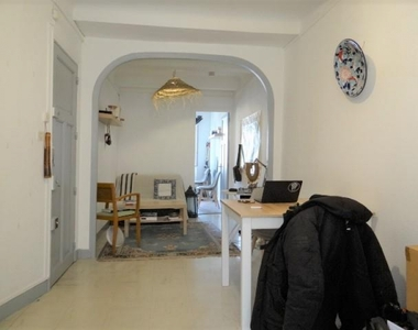 Location Appartement 2 pièces 39m² Marseille 06 (13006) - photo