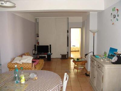 Location Appartement 3 pièces 66m² Marseille 05 (13005) - Photo 2