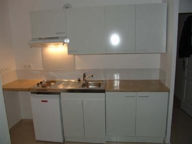 Location Appartement 1 pièce 36m² Marseille 06 (13006) - photo