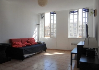 Location Appartement 2 pièces 57m² Marseille 02 (13002) - Photo 1