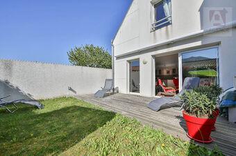 Vente Appartement 3 pièces 75m² Saint-Gilles-Croix-de-Vie (85800) - Photo 1