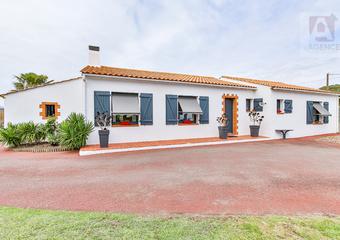 Vente Maison 4 pièces 152m² SAINT HILAIRE DE RIEZ - Photo 1