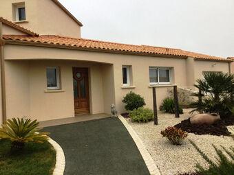 Vente Maison 4 pièces 143m² Landevieille (85220) - Photo 1
