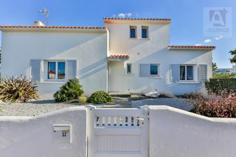 Vente Maison 4 pièces 128m² Saint-Gilles-Croix-de-Vie (85800) - photo