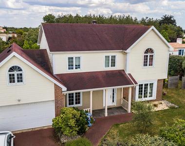 Vente Maison 5 pièces 166m² SAINT GILLES CROIX DE VIE - photo