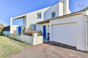 Vente Maison 5 pièces 104m² Saint-Gilles-Croix-de-Vie (85800) - photo