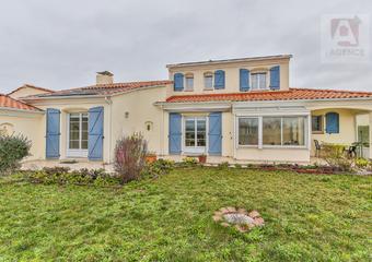 Vente Maison 5 pièces 197m² LE FENOUILLER - Photo 1