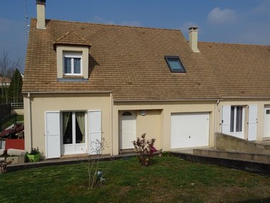 Sale House 5 rooms 82m² AUNEAU - photo