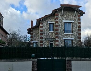 Sale House 6 rooms 104m² AUNEAU - photo
