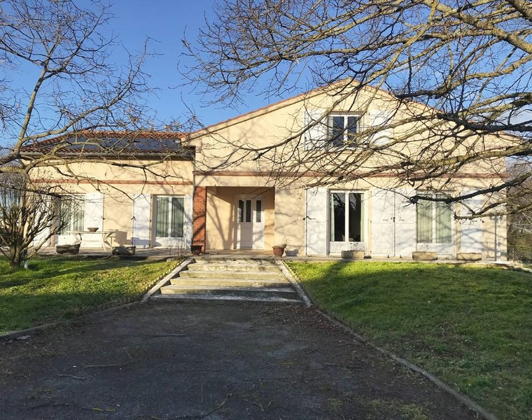 Sale House 6 rooms 227m² Lagardelle-sur-Lèze (31870) - photo
