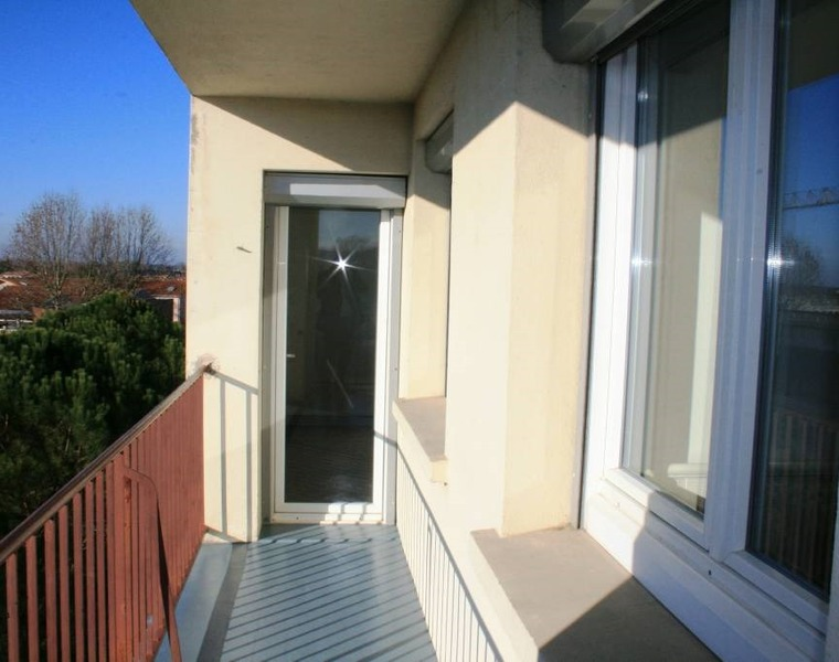 Sale Apartment 4 rooms 67m² Muret (31600) - photo
