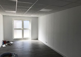 Renting Business 2 rooms 65m² Labarthe-sur-Lèze (31860) - photo 2