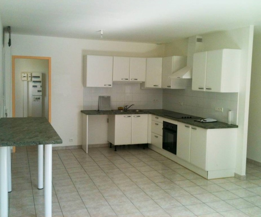 Renting House 3 rooms 69m² Labastidette (31600) - photo