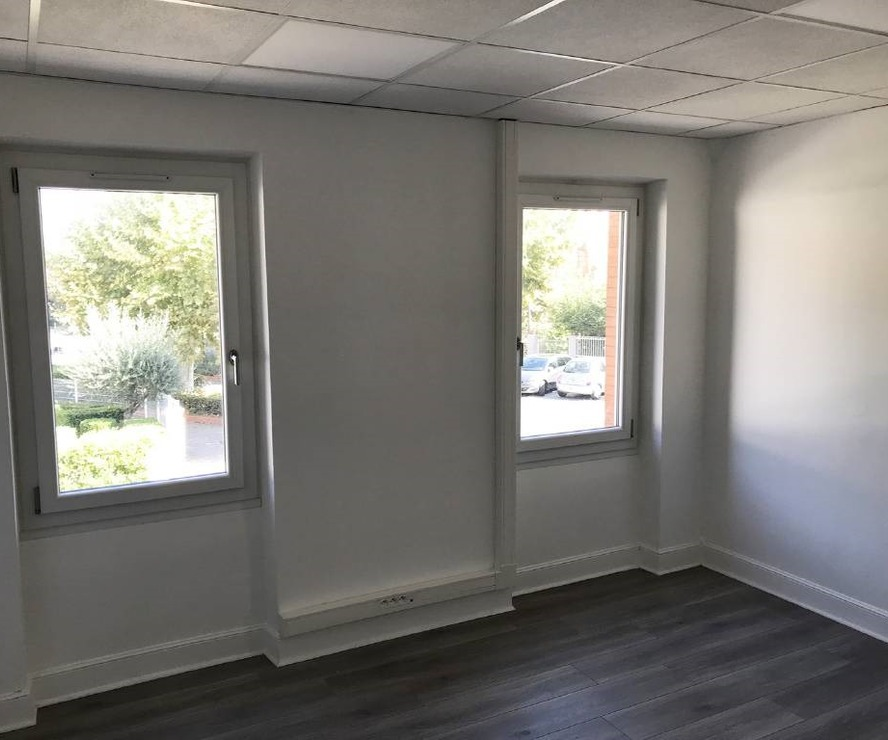 Renting Office 1 room 15m² Labarthe-sur-Lèze (31860) - photo