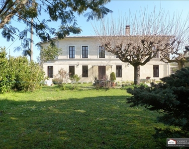 Sale House 6 rooms 170m² Saint-Caprais-de-Bordeaux (33880) - photo
