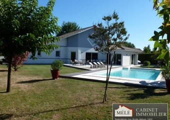 Sale House 6 rooms 241m² Sadirac - photo