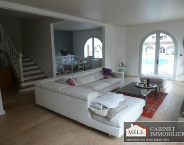 Sale House 8 rooms 300m² Quinsac (33360) - photo