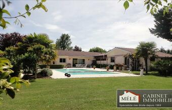 Sale House 8 rooms 237m² Carignan-de-Bordeaux (33360) - Photo 1