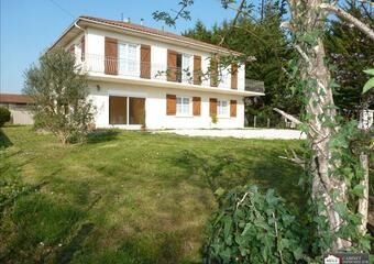 Sale House 8 rooms 208m² Cambes (33880) - Photo 1