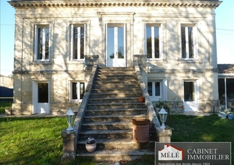 Sale House 9 rooms 300m² Saint-Louis-de-Montferrand (33440) - photo