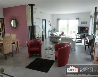 Sale House 4 rooms 136m² Cambes (33880) - photo
